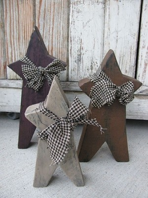 Primitive Chunky Wooden Stars with Black and Tan Homespun