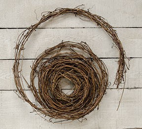 Primitive Country Grapevine Rope Garland 9 Foot Length