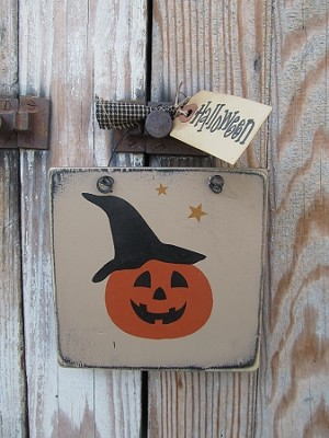 Primitive Halloween Jack O Lantern Pumpkin With Witch Hat Hand